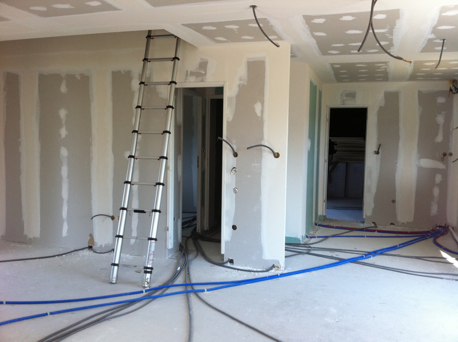 La Maison Du Carrelage Et Sanitaire Balma artisan électricien dans la haute-garonne 31